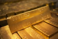 Altın fiyatları Fed tutanakları öncesi değer kaybetti