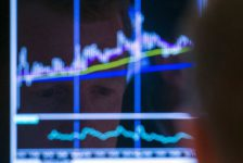 Hollanda piyasaları kapanışta yükseldi; AEX 1,42% değer kazandı