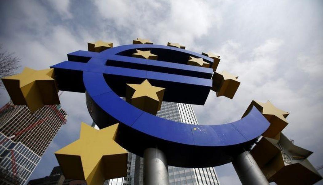 Euro Bölgesi büyümesi beklenmedik şekilde geriledi