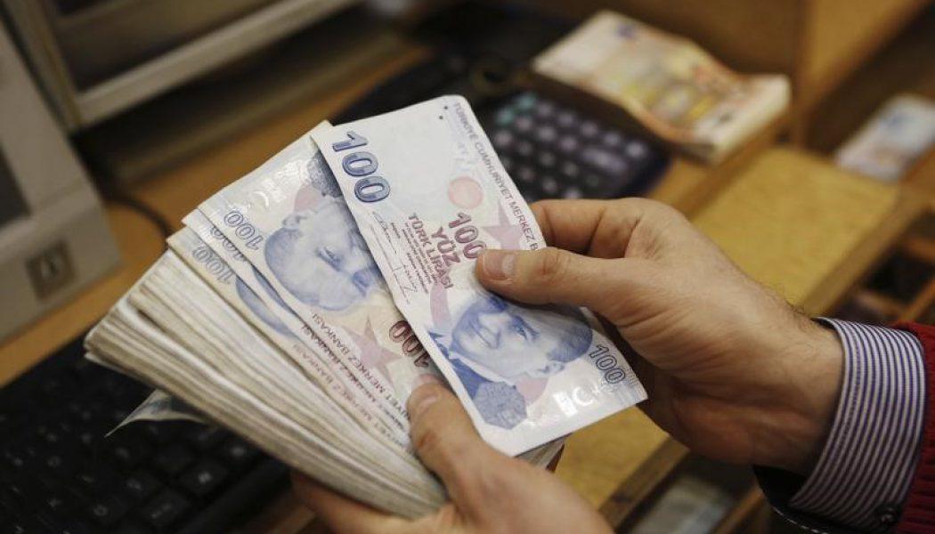 YENİLEME 1-FX-Dolar/TL, Gedikli'nin seri faiz indirimi gerektiği açıklaması sonrası kademeli olarak 2.9850'ye kadar yükseldi