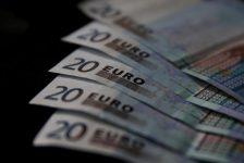 Euro bölgesinde çekirdek TÜFE tahmin edilen rakam 0,7% gerçek rakam 0,7%