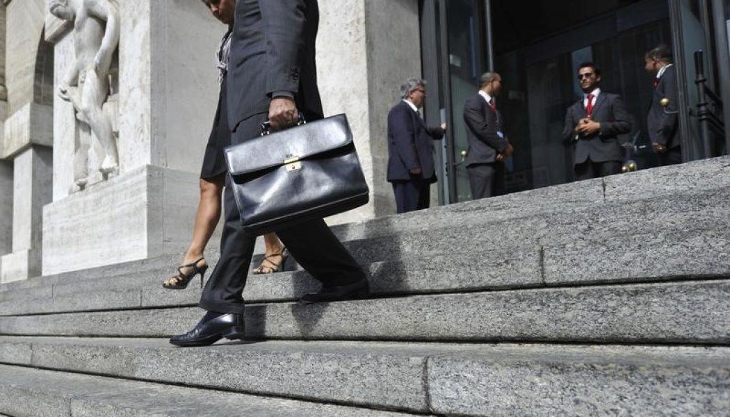 İtalya piyasaları kapanışta düştü; Investing.com İtalya 40 0,24% değer kaybetti