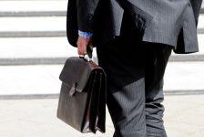 Hazine ihale öncesi ROT'ta 405.8 mln TL'si piyasadan, 833.8 mln TL borçlandı