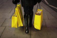 İngiltere'de perakende satışlar tahmin edilen rakam 0,5% gerçek rakam 1,3%