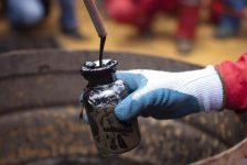 WTI ham petrol fiyatları arz raporu öncesi 1%'den fazla düştü
