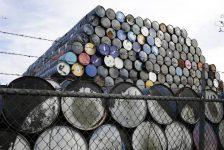 Petrol fiyatları ABD'den gelen arz raporu sonrası 50 dolara yaklaştı