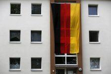 Almanya'da TÜFE Nisan'da düşeceği beklentilerine karşın yatay kaldı