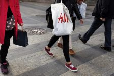Almanya'da perakende satışlar Nisan'da artış beklentileri aksine %0.9 düştü