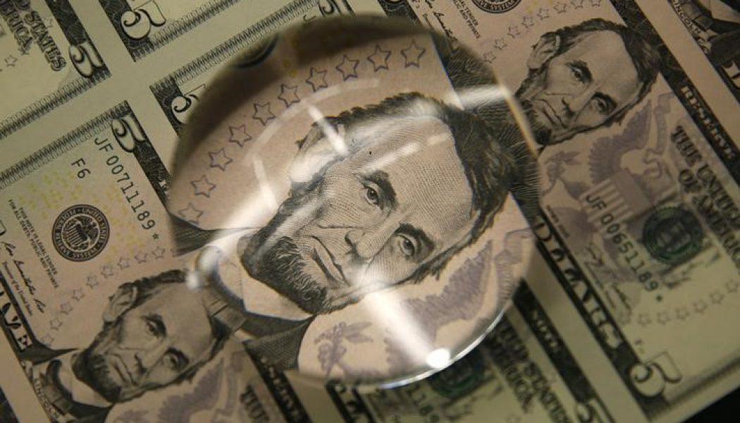 Amerikan doları, ABD'den gelecek veriler öncesi sakin seyrediyor
