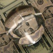 Amerikan doları, ABD'den beklenen veriler öncesi değer kazandı