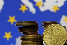 Forex – Euro, Draghi'nin yorumları sonrası destek buldu