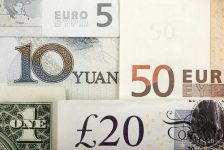 YENİLEME 1-BONO&FX-Dolar/TL iç siyaset ve küresel satışlarla 29 Şubat'tan beri ilk kez 2.98'i aştı, 10 günde $7 milyara ulaşan lokal döviz satışları kuru destekliyor