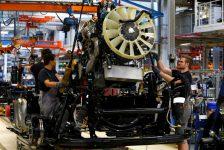 İngiltere'de imalat üretimi Şubat ayında 1,1% oranında geriledi