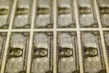 Amerikan doları, ABD'den gelecek veriler öncesi 2 ayın en yükseğinde