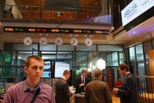 Polonya piyasaları kapanışta düştü; WIG30 2,25% değer kaybetti
