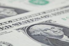 Amerikan doları, zayıf ticaret hacminin sakin seyrediyor