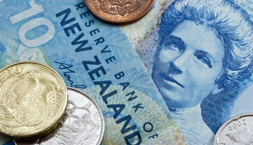 Yeni Zelanda'da çekirdek per. satışları tahmin edilen rakam 1,1% gerçek rakam 1,0%