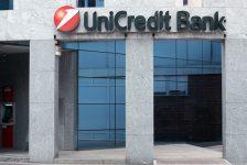 İtalyan bankası UniCredit yeniden yapılanma hakkında ipucu verecek yeni CEO arayışına başlayacak