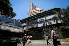 Hindistan piyasaları kapanışta yükseldi; Nifty 50 0,80% değer kazandı