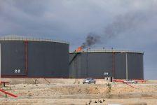 A.B.D. Ham Petrol Stokları tahmin edilen rakam -2,490M gerçek rakam -1,366M