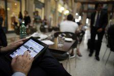 Almanya'da hizmetler PMI Mayıs'ta nihai 55.2 ile beklentiler doğrultusunda
