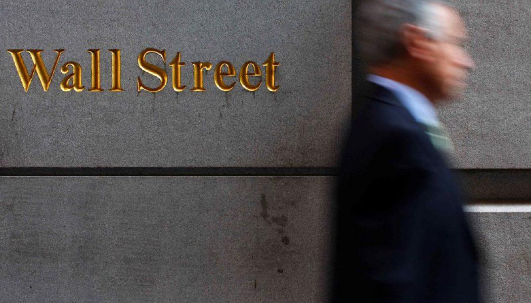 ABD piyasaları tüketici hissiyat raporu öncesi düştü