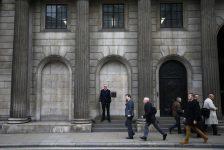 Birleşik Krallık piyasaları kapanışta düştü; Investing.com Birleşik Krallık 100 0,61% değer kaybetti
