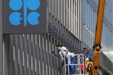 Petrol fiyatları OPEC toplantısı öncesi 50 doların üzerinde