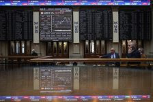 İspanya piyasaları kapanışta düştü; IBEX 35 3,18% değer kaybetti