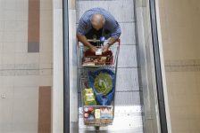 İsviçre'de perakende satışlar tahmin edilen rakam -0,8% gerçek rakam -1,9%