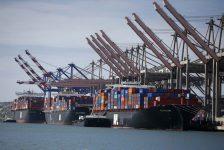 Avustralya'da ticaret dengesi tahmin edilen rakam -2,000B gerçek rakam -1,579B