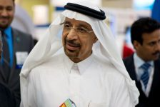 OPEC, basın toplantısı öncesi 'işi piyasalara bırakma' sinyali verdi