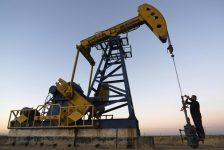 Petrol fiyatları ABD sondaj kuyusu sayısı öncesi sakin seyrediyor