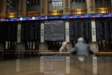 İspanya piyasaları kapanışta yükseldi; IBEX 35 0,74% değer kazandı