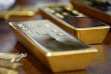 Altın fiyatları 7 haftanın en yüksek seviyesinden hafif geriledi