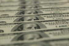 Forex – Dolar, zayıf ticaret hacminin etkisiyle yükseldi