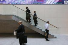 Birleşik Krallık piyasaları kapanışta düştü; Investing.com Birleşik Krallık 100 0,84% değer kaybetti