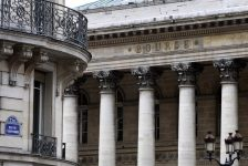 Fransa piyasaları kapanışta yükseldi; CAC 40 1,20% değer kazandı