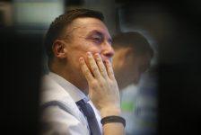 Avrupa borsaları bankacılık ve enerji hisselerindeki düşüşün etkisiyle üç günlük kazanımlarına son vermek üzere