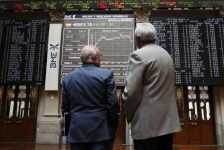 İspanya piyasaları kapanışta düştü; IBEX 35 0,69% değer kaybetti