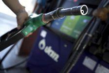Benzin yükseldi, petrol direniyor; Harvey etkisi devam ediyor