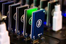 Bitcoin 4.400 Dolar seviyesini gördükten sonra geri çekiliyor
