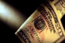 Forex – Dolar ABD'deki politik sorunlar arasında savunma pozisyonunda