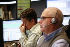 Almanya piyasaları kapanışta karıştı; DAX 0,11% değer kaybetti