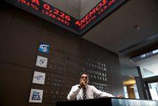 Yunanistan piyasaları kapanışta düştü; Athens General Composite 0,53% değer kaybetti