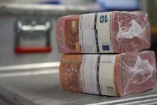 Forex – Euro, dolar karşısında 2 buçuk yılın en düşük seviyesinde