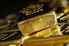 Altın altı haftanın en kötü değer kaybından sonra düşmeye devam ediyor