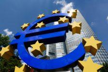 ECB 'güçlü euro'dan endişeli