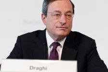 ECB'nin aşırı gevşek para politikası sonuç veriyor, enflasyonda sabırlı olunmalı-Draghi/ECB