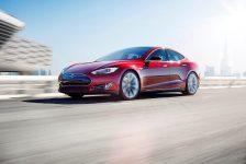 Tesla Gelirlerini İkiye Katladı